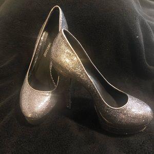Sparkly Silver Platform heels EUC